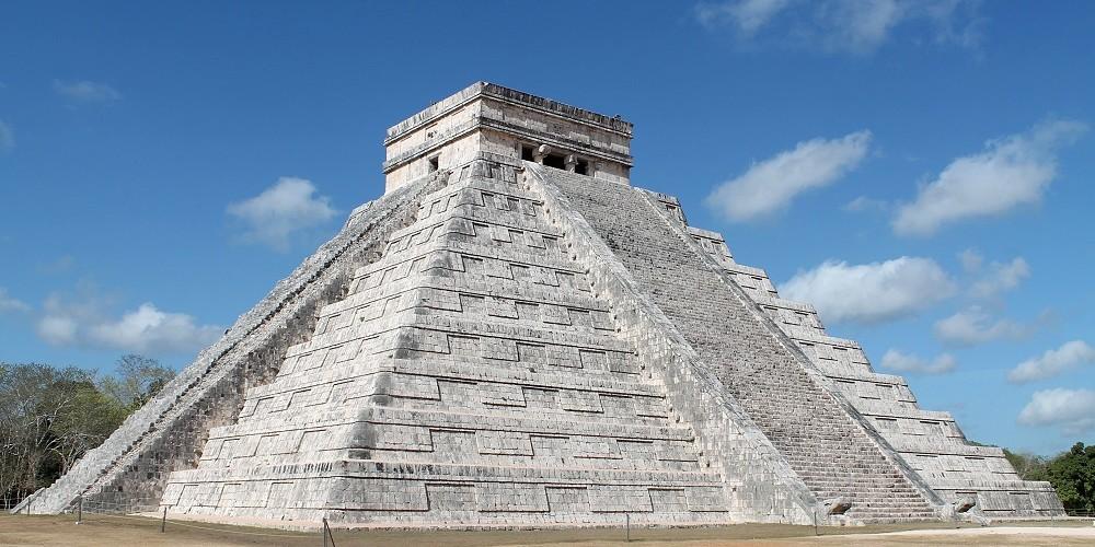 Wonder of the World Chichen Itza - El Castillo Pyramid