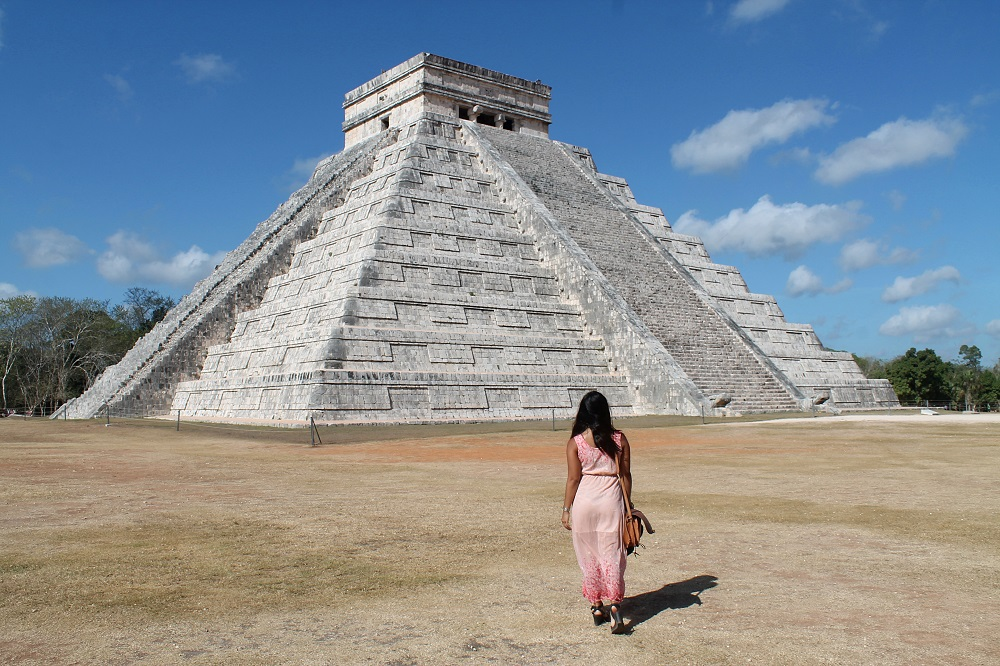 Backpacking Fashion - Female Travel - Struggles - Chichen Itza