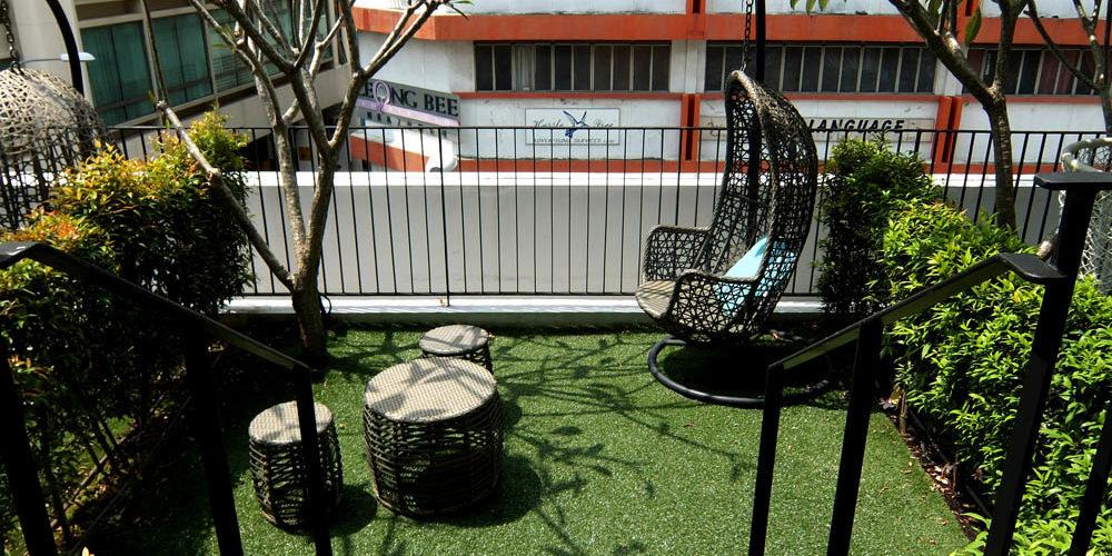 Parc Sovereign Hotel - Tyrwhitt - Mid Range Hotel in Singapore - Review - Balcony Garden Deluxe Resort