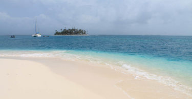 San Blas Islands - Island Hopping from Panama to Colombia