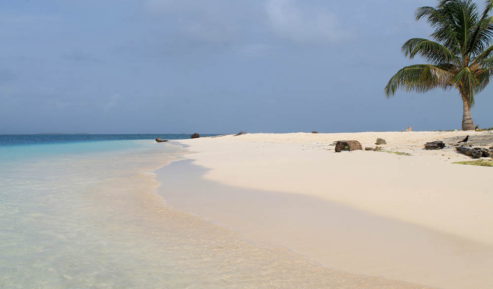 San Blas Islands - Island Hopping from Panama to Colombia - Caribbean Paradise