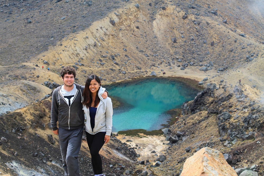 Tongariro Alpine Crossing - Best Trek - New Zealand - Emerald Lake - Tourist Couple