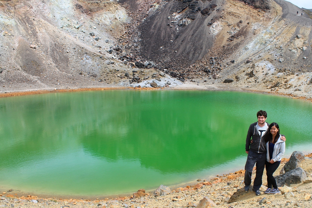 Tongariro Alpine Crossing - Best Trek - New Zealand - Emerald Lake - Tourist