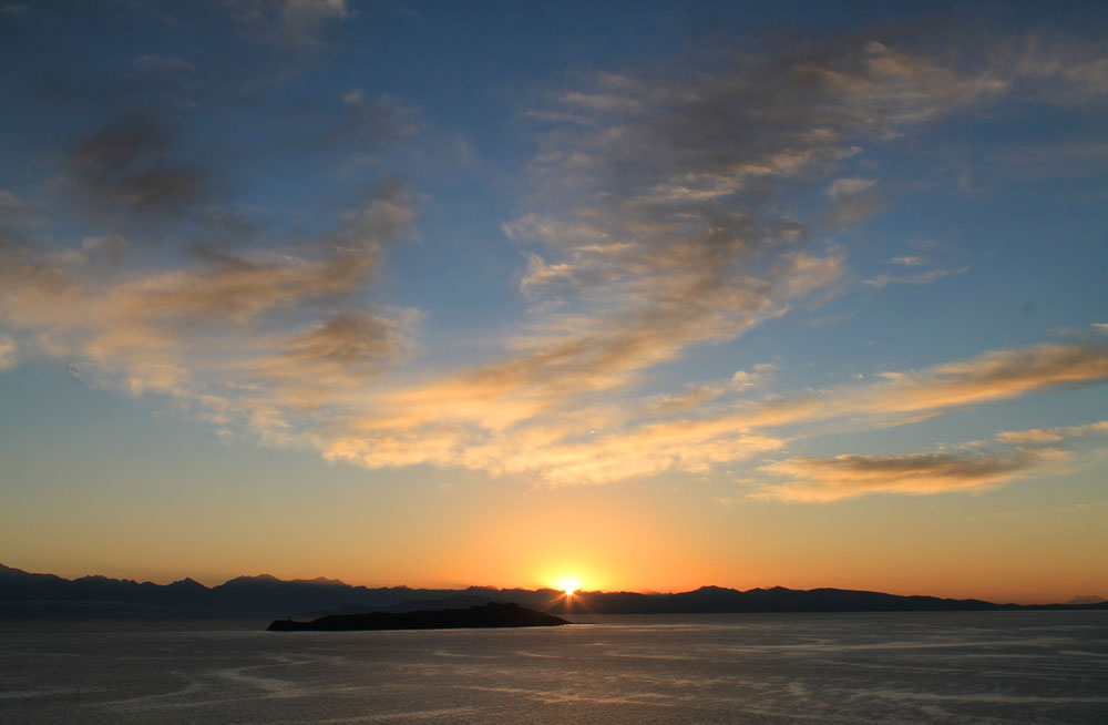 Sunrise at Isla del Sol, Bolivia - Around the World in 18 Beds