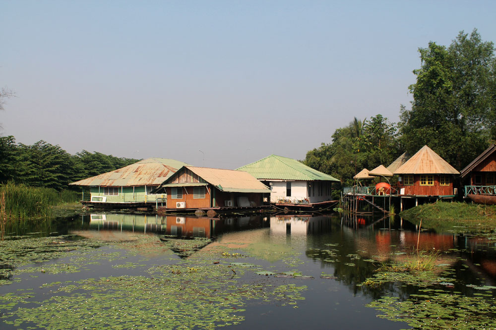 Floating House in Kanchanaburi, Thailand - Around the World in 18 Beds