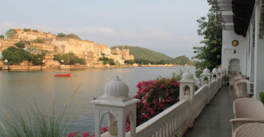 Lake Pichola Hotel - Romantic Lakeside Haveli Hotel in Udaipur India - Hotel Review