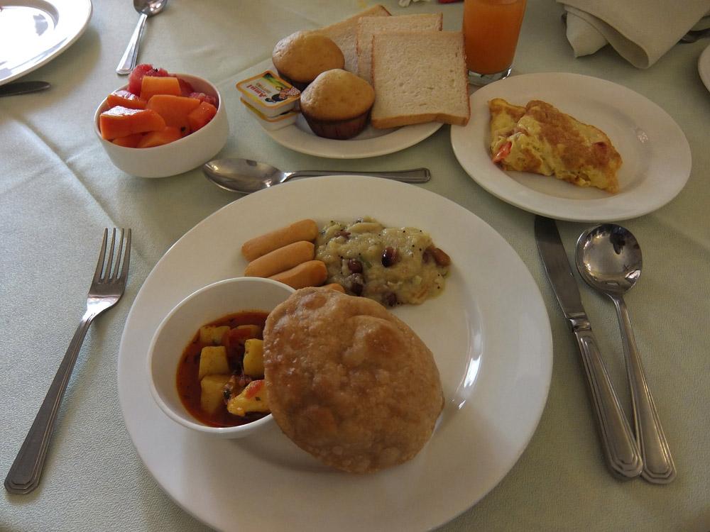nahargarh-ranthambore-hotel-review-india-buffet-breakfast
