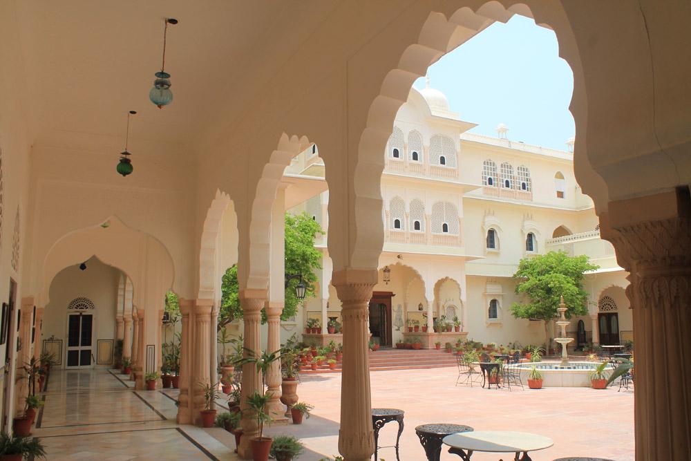 nahargarh-ranthambore-hotel-review-india -hallway-room