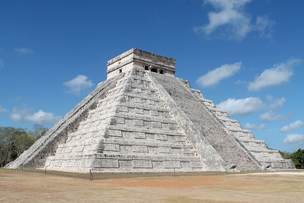 El Castillo Pyramid in Chichen Itza - Best Ancient Ruins and Pyramids in Mexico