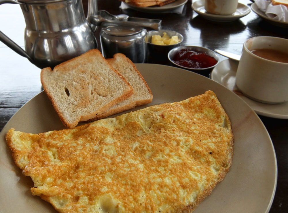 Breakfast - Hotel Pleasant Haveli - Boutique Hotel Review