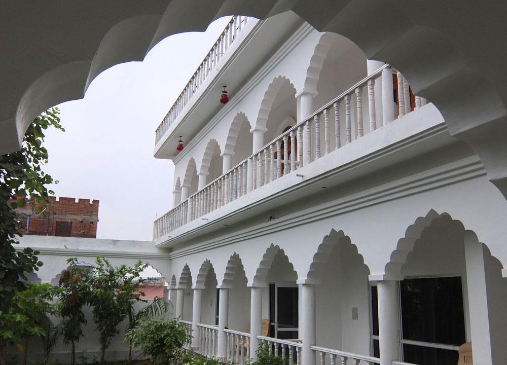 Hotel Isabel Palace in Khajuraho, India