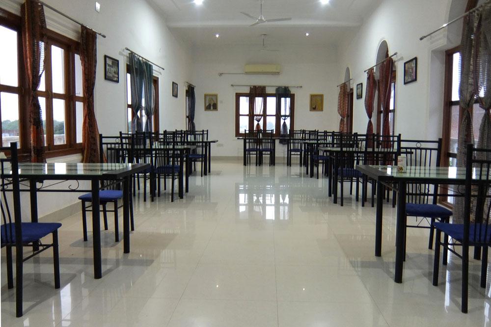 Restaurant at Hotel Isabel Palace in Khajuraho, India