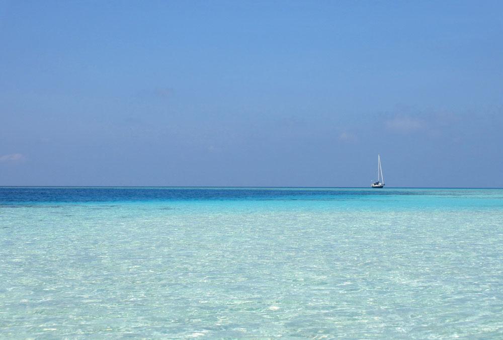Shades of Blue - Mid-Range Maldives Resort Experience - Asdu Sun Island