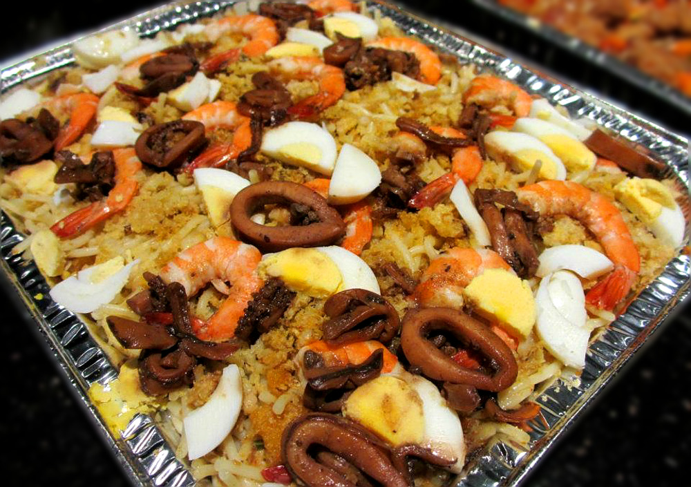 Pancit Malabon - Snack - Must Try Filipino Foods - How to Eat Like a Local in the Philippines