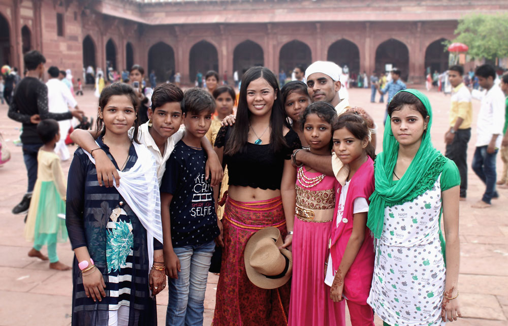 What To Wear In India Fashion Tips For Female Tourists Mismatched Passports