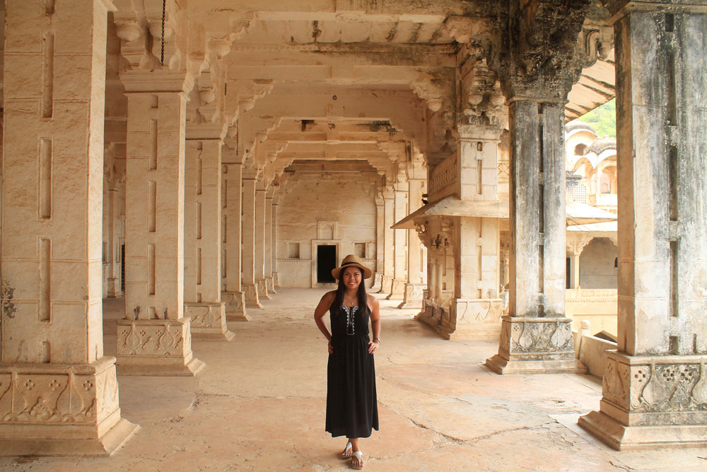 Woman wearing a maxi dress while travelling in India - - What to Wear in India - Fashion Tips for Female Tourists
