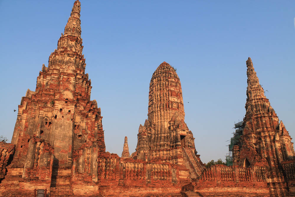 Wat Chaiwattanaram - Ayutthaya vs Sukhothai - Best Ancient Ruins in Thailand