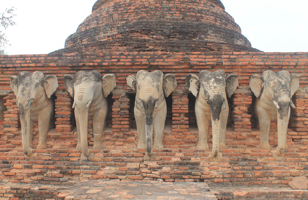 Wat Sorasak - Ayutthaya vs Sukhothai - Best Ancient Ruins in Thailand