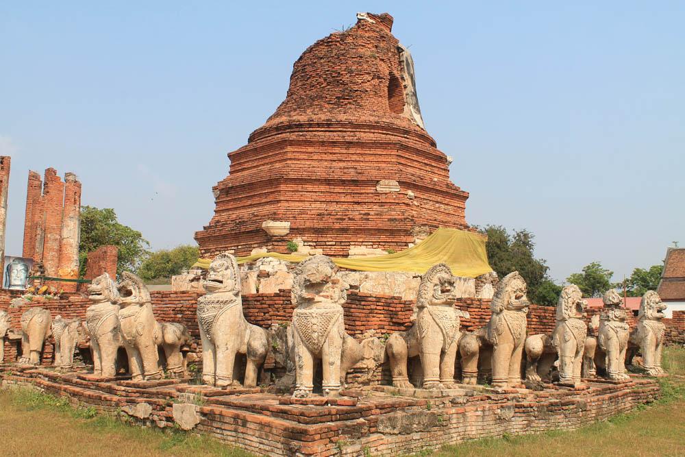 Wat Thamikkarat - Ayutthaya vs Sukhothai - Best Ancient Ruins in Thailand