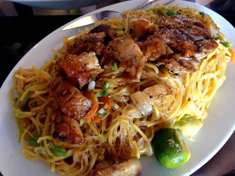 Pancit Miki-Bihon (Stir fried with two kinds of noodles) - Snack - Must Try Filipino Foods - How to Eat Like a Local in the Philippines