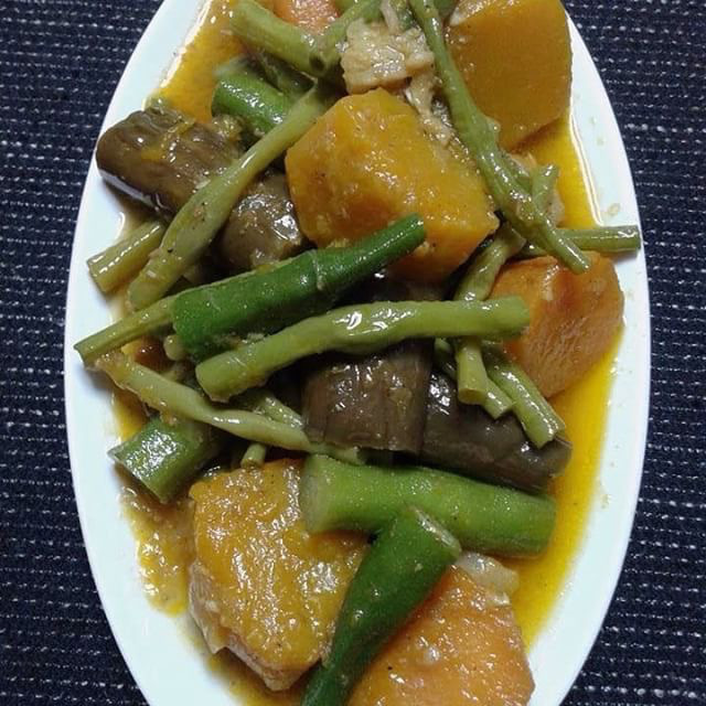 Pinakbet - Lunch - Must Try Filipino Foods - How to Eat Like a Local in the Philippines
