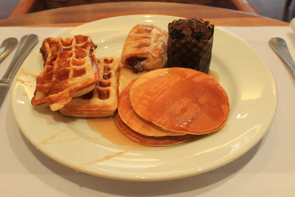 Pullman Kuala Lumpur City Centre Hotel and Residences - Breakfast Buffet
