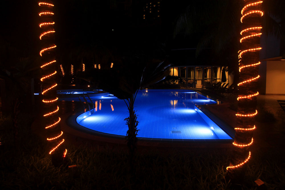 Pullman Kuala Lumpur City Centre Hotel and Residences - Swimming Pool Area