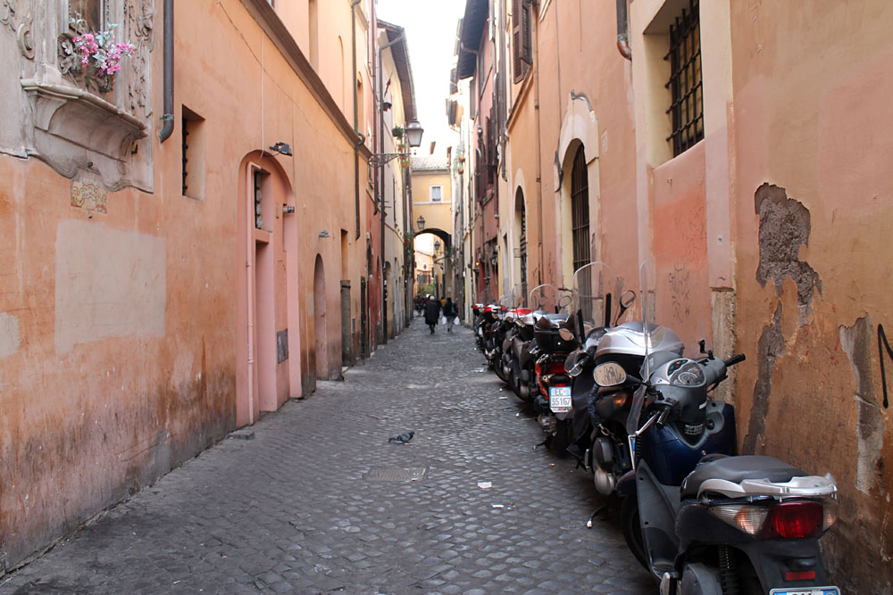 Incredible Things to Do in Rome Italy - Campo Dei Fiori