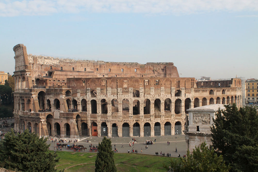 Incredible Things to Do in Rome Italy - The Colloseum