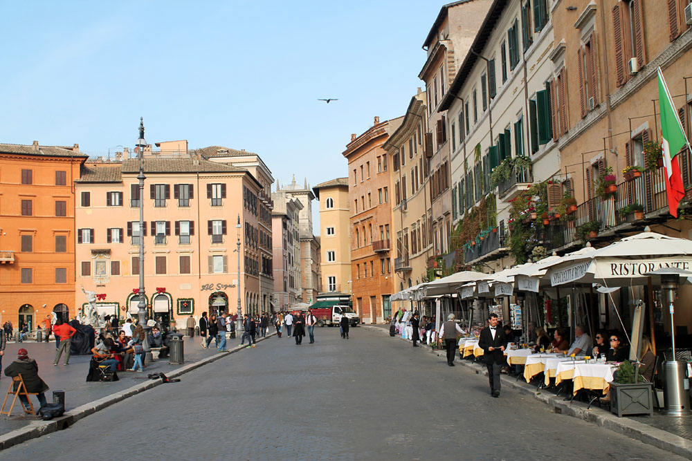 Incredible Things to Do in Rome Italy - Piazza Navona