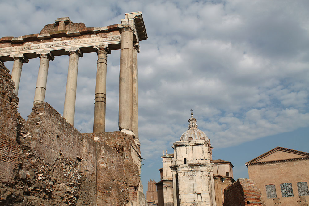 Incredible Things to Do in Rome Italy - Roman Forum