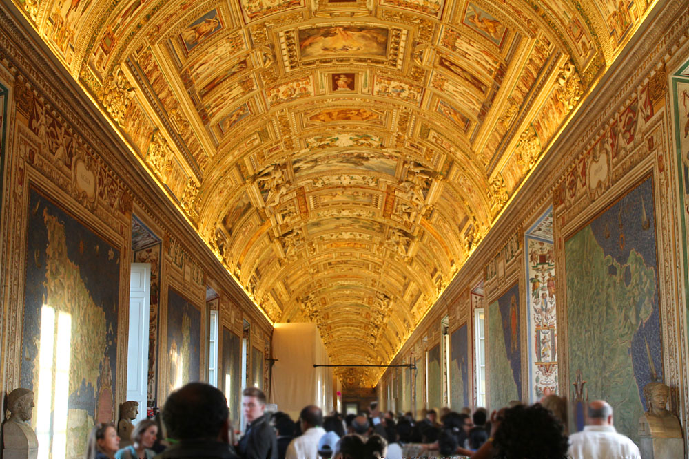 Incredible Things to Do in Rome Italy - Vatican Museum