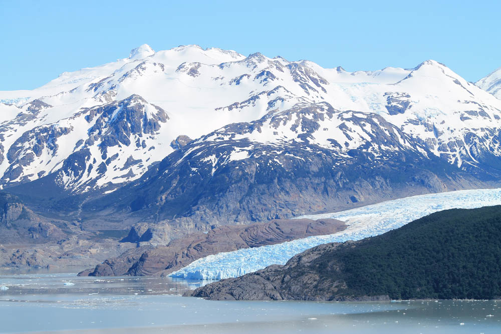 best-day-hikes-in-south-america-lago-grey-glacier-grey-patagonia-chile