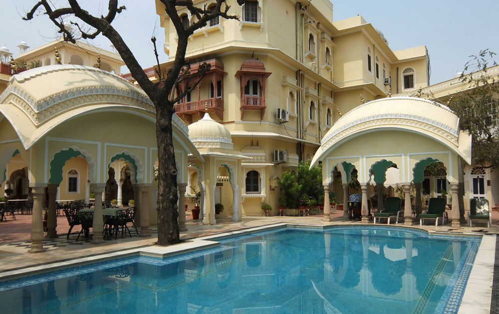 Sleep in a Mansion -Couples Travel Bucket List - Top Experiences to Share with Your Partner