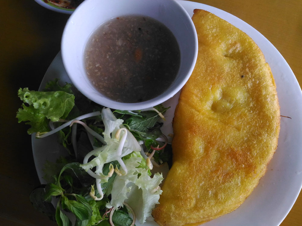 Vietnamese Pancake - Must Try Foods in Hoi An Vietnam