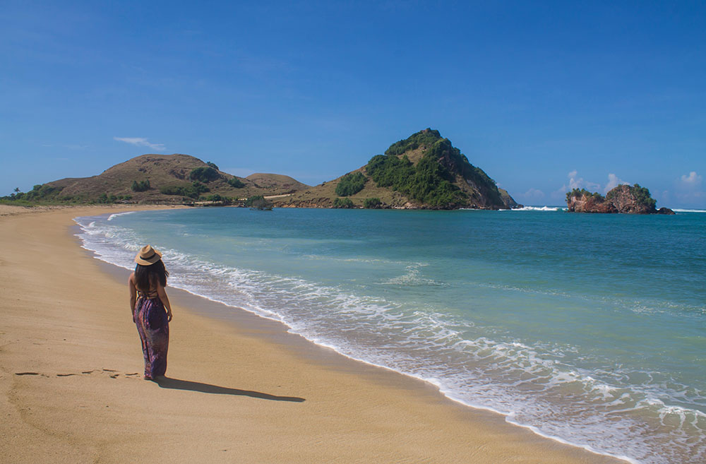 beach-novotel-lombok-indonesia
