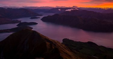 colorful-sunrise-wanaka-new-zealand