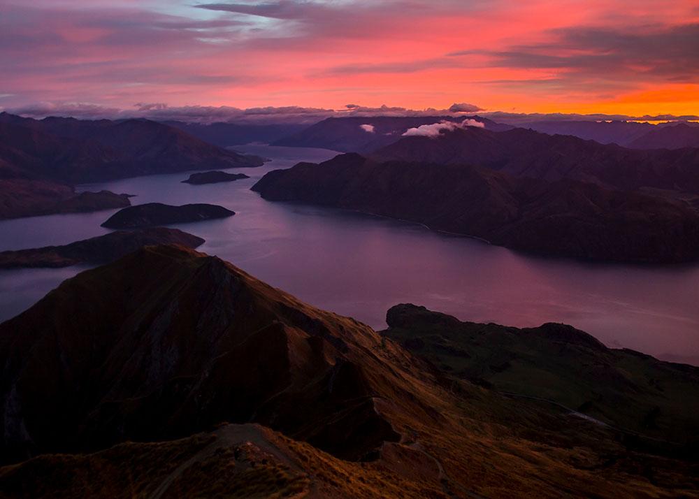 colorful-sunrise-wanaka-new-zealand